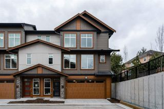 """Photo 2: 33 17033 FRASER Highway in Surrey: Fleetwood Tynehead Townhouse for sale in """"Liberty at Fleetwood"""" : MLS®# R2479377"""