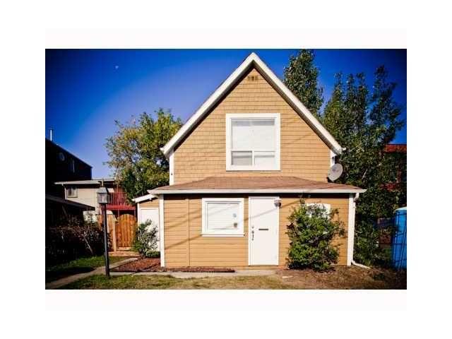 Main Photo: 1043 MAGGIE ST SE in CALGARY: Ramsay House for sale (Calgary)  : MLS®# C3605896