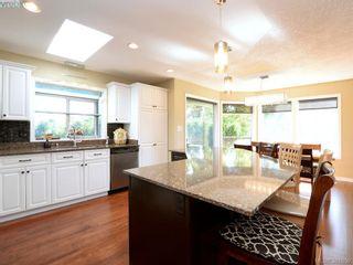 Photo 7: 4901 Maxine Lane in VICTORIA: SE Cordova Bay House for sale (Saanich East)  : MLS®# 767062