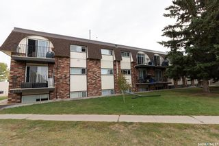 Photo 1: 11 3825 Luther Place in Saskatoon: West College Park Residential for sale : MLS®# SK827114