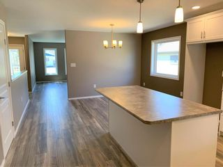 Photo 8: 136 5th Avenue Southwest in Dauphin: Southwest Residential for sale (R30 - Dauphin and Area)  : MLS®# 202110889