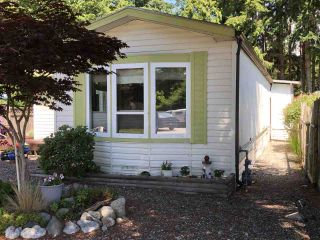 """Photo 2: 45 4116 BROWNING Road in Sechelt: Sechelt District Manufactured Home for sale in """"ROCKLAND WYND"""" (Sunshine Coast)  : MLS®# R2472545"""