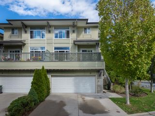 """Photo 2: 10 40632 GOVERNMENT Road in Squamish: Brackendale Townhouse for sale in """"Riverswalk"""" : MLS®# R2620887"""