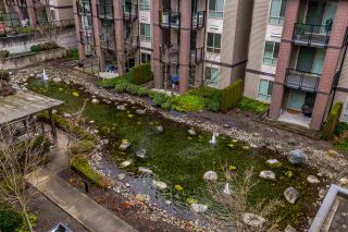 """Photo 15: 416 7418 BYRNEPARK Walk in Burnaby: South Slope Condo for sale in """"GREEN"""" (Burnaby South)  : MLS®# R2229832"""
