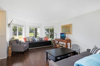 Photo 4: 1276 Crown Pl in : CV Comox (Town of) House for sale (Comox Valley)  : MLS®# 876582