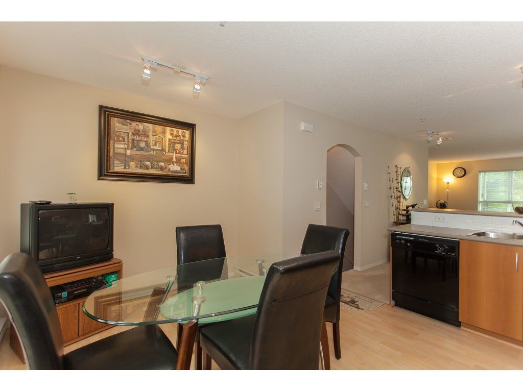 Photo 9: Photos: 48 6747 203 Street in Langley: Willoughby Heights Townhouse for sale : MLS®# R2202915