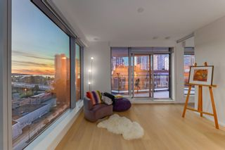 Photo 3: 903 889 PACIFIC STREET in Vancouver: Downtown VW Condo for sale (Vancouver West)  : MLS®# R2614072
