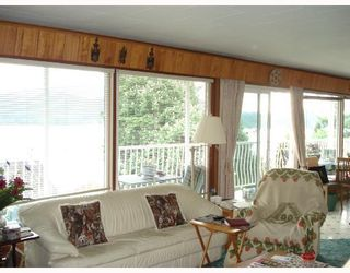Photo 5: 493 CENTRAL Avenue in Gibsons: Gibsons & Area House for sale (Sunshine Coast)  : MLS®# V713552