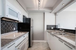 """Photo 14: 2003 1288 ALBERNI Street in Vancouver: West End VW Condo for sale in """"The Palisades"""" (Vancouver West)  : MLS®# R2591374"""