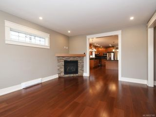 Photo 10: 2 1245 Chapman St in Victoria: Vi Fairfield West Row/Townhouse for sale : MLS®# 837185