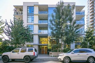 """Photo 19: 512 135 W 2ND Street in North Vancouver: Lower Lonsdale Condo for sale in """"CAPSTONE"""" : MLS®# R2212509"""