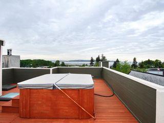 Photo 17: 15821 Columbia Avenue in White Rock: Home for sale : MLS®# F2833600