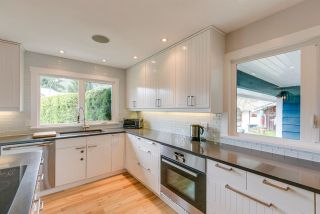 """Photo 10: 1107 PLATEAU Crescent in Squamish: Plateau House for sale in """"PLATEAU"""" : MLS®# R2050818"""