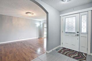 Photo 5: 23 Castlefall Way NE in Calgary: Castleridge Detached for sale : MLS®# A1141276
