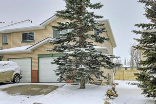 Photo 2: 101 Country Hills Villas NW in Calgary: Country Hills Row/Townhouse for sale : MLS®# A1089645