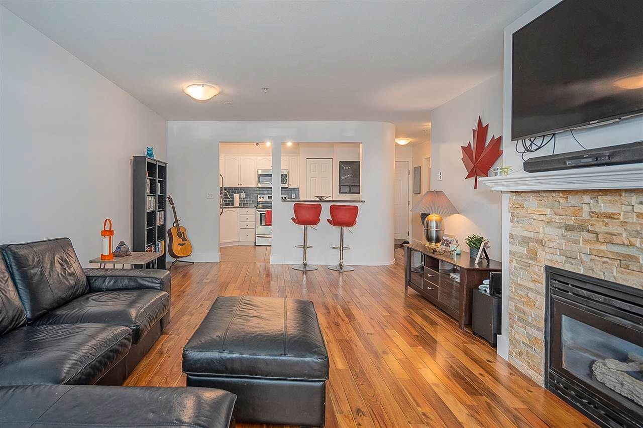 """Photo 6: Photos: 321 301 MAUDE Road in Port Moody: North Shore Pt Moody Condo for sale in """"Heritage Grand"""" : MLS®# R2567114"""
