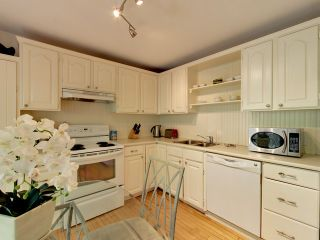 """Photo 11: 2271 WATERLOO Street in Vancouver: Kitsilano House for sale in """"KITSILANO!"""" (Vancouver West)  : MLS®# R2086702"""