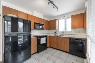 """Photo 4: 303 850 ROYAL Avenue in New Westminster: Downtown NW Condo for sale in """"THE ROYALTON"""" : MLS®# R2592407"""