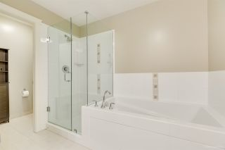 """Photo 16: 905 1415 PARKWAY Boulevard in Coquitlam: Westwood Plateau Condo for sale in """"CASCADE"""" : MLS®# R2478359"""