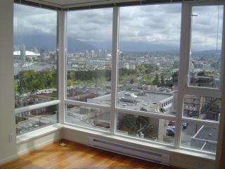 """Photo 9: 803 2483 SPRUCE Street in Vancouver: Fairview VW Condo for sale in """"SKYLINE ON BROADWAY"""" (Vancouver West)  : MLS®# V797426"""