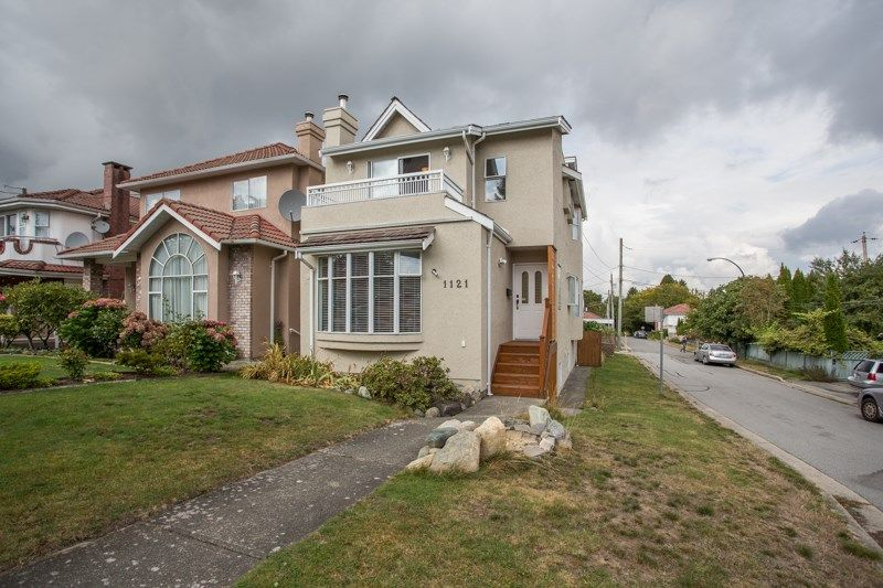 Main Photo: 1121 E 27TH AVENUE in Vancouver: Knight House for sale (Vancouver East)  : MLS®# R2403428