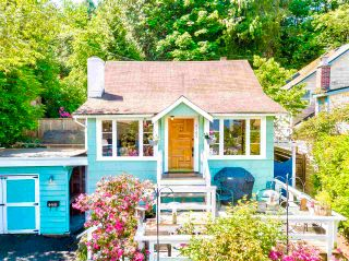 Main Photo: 6465 RALEIGH Street in West Vancouver: Horseshoe Bay WV House for sale : MLS®# R2619003