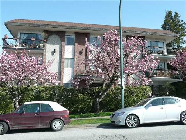 "Main Photo: 307 214 E 15TH Street in North Vancouver: Central Lonsdale Condo for sale in ""HACIENDA"" : MLS®# V826672"