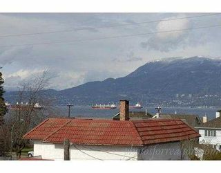 Photo 2: 3173 W 2ND Ave in Vancouver: Kitsilano 1/2 Duplex for sale (Vancouver West)  : MLS®# V634302