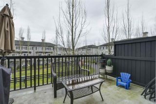"""Photo 19: 35 11067 BARNSTON VIEW Road in Pitt Meadows: South Meadows Townhouse for sale in """"COHO"""" : MLS®# R2344375"""