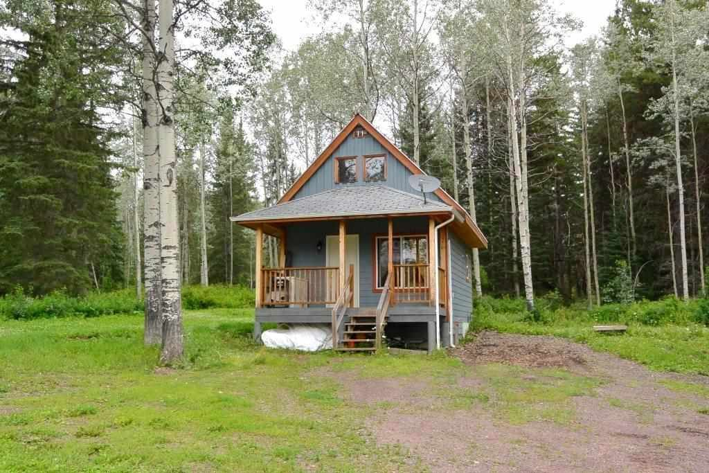 "Main Photo: 18865 GRANTHAM Road in Smithers: Smithers - Rural House for sale in ""Grantham"" (Smithers And Area (Zone 54))  : MLS®# R2389601"