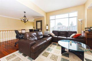 Photo 3: 3313 RAKANNA Place in Coquitlam: Hockaday House for sale : MLS®# R2147464