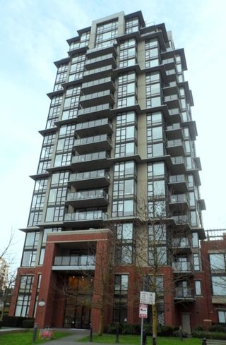 """Photo 3: 604 11 E ROYAL Avenue in New Westminster: Fraserview NW Condo for sale in """"VICTORIA HILL HIGHRISE RESIDENCES"""" : MLS®# R2043828"""