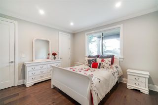 """Photo 23: 1551 ARCHIBALD Road: White Rock House for sale in """"West White Rock"""" (South Surrey White Rock)  : MLS®# R2584114"""