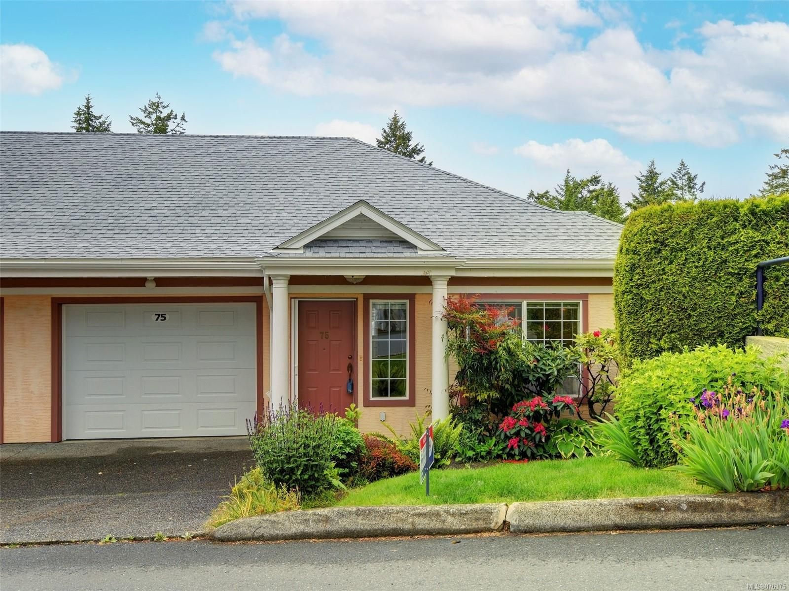 Main Photo: 75 14 Erskine Lane in : VR Hospital Row/Townhouse for sale (View Royal)  : MLS®# 876375
