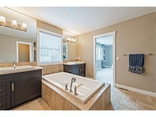 Photo 31: 14 ROCKFORD Road NW in Calgary: Rocky Ridge House for sale : MLS®# C4048682