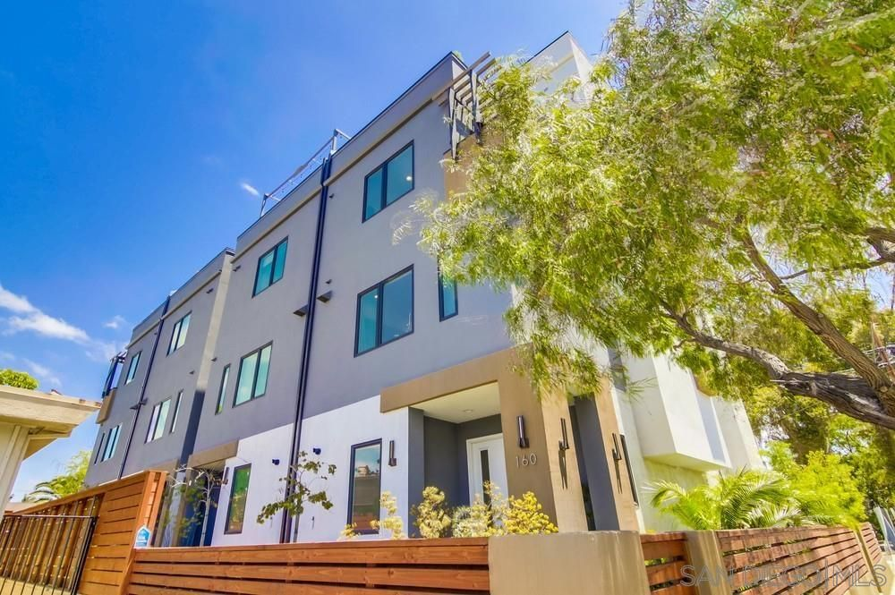 Main Photo: HILLCREST Townhouse for sale : 3 bedrooms : 160 W W Robinson Ave in San Diego
