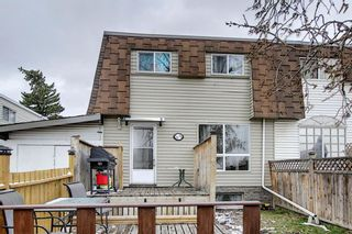 Photo 1: 3930 Doverdale Crescent SE in Calgary: Dover Row/Townhouse for sale : MLS®# A1098449