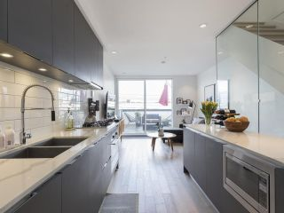 """Photo 12: 312 1647 E PENDER Street in Vancouver: Hastings Townhouse for sale in """"The Oxley"""" (Vancouver East)  : MLS®# R2555021"""