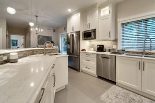Photo 4: 7010 Beach View Crt in : CS Island View House for sale (Central Saanich)  : MLS®# 863438