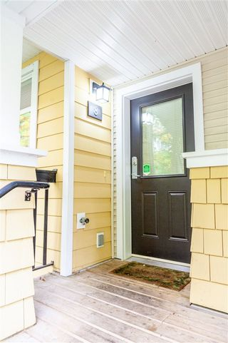 "Photo 4: 8 6878 SOUTHPOINT Drive in Burnaby: South Slope Townhouse for sale in ""CORTINA"" (Burnaby South)  : MLS®# R2510279"