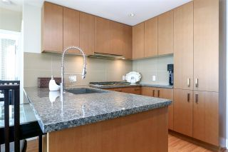 "Photo 3: 1008 3008 GLEN Drive in Coquitlam: North Coquitlam Condo for sale in ""M Two"" : MLS®# R2272155"