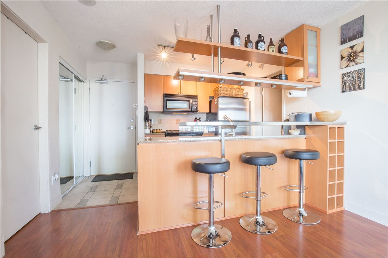 "Photo 12: Photos: 2507 1438 RICHARDS Street in Vancouver: Yaletown Condo for sale in ""AZURA ONE"" (Vancouver West)  : MLS®# R2394996"