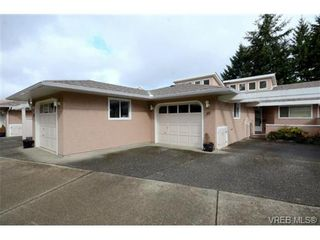 Photo 1: 35 3049 Brittany Dr in VICTORIA: Co Sun Ridge Row/Townhouse for sale (Colwood)  : MLS®# 683603