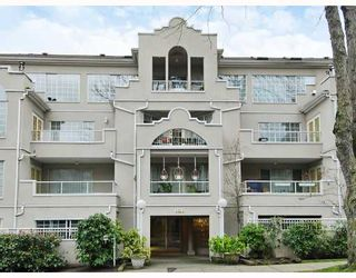 """Photo 1: 102 1525 PENDRELL Street in Vancouver: West End VW Condo for sale in """"CHARLOTTE GARDENS"""" (Vancouver West)  : MLS®# V754405"""