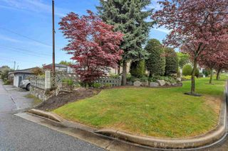 Photo 5: 8025 BORDEN Street in Vancouver: Fraserview VE House for sale (Vancouver East)  : MLS®# R2598430