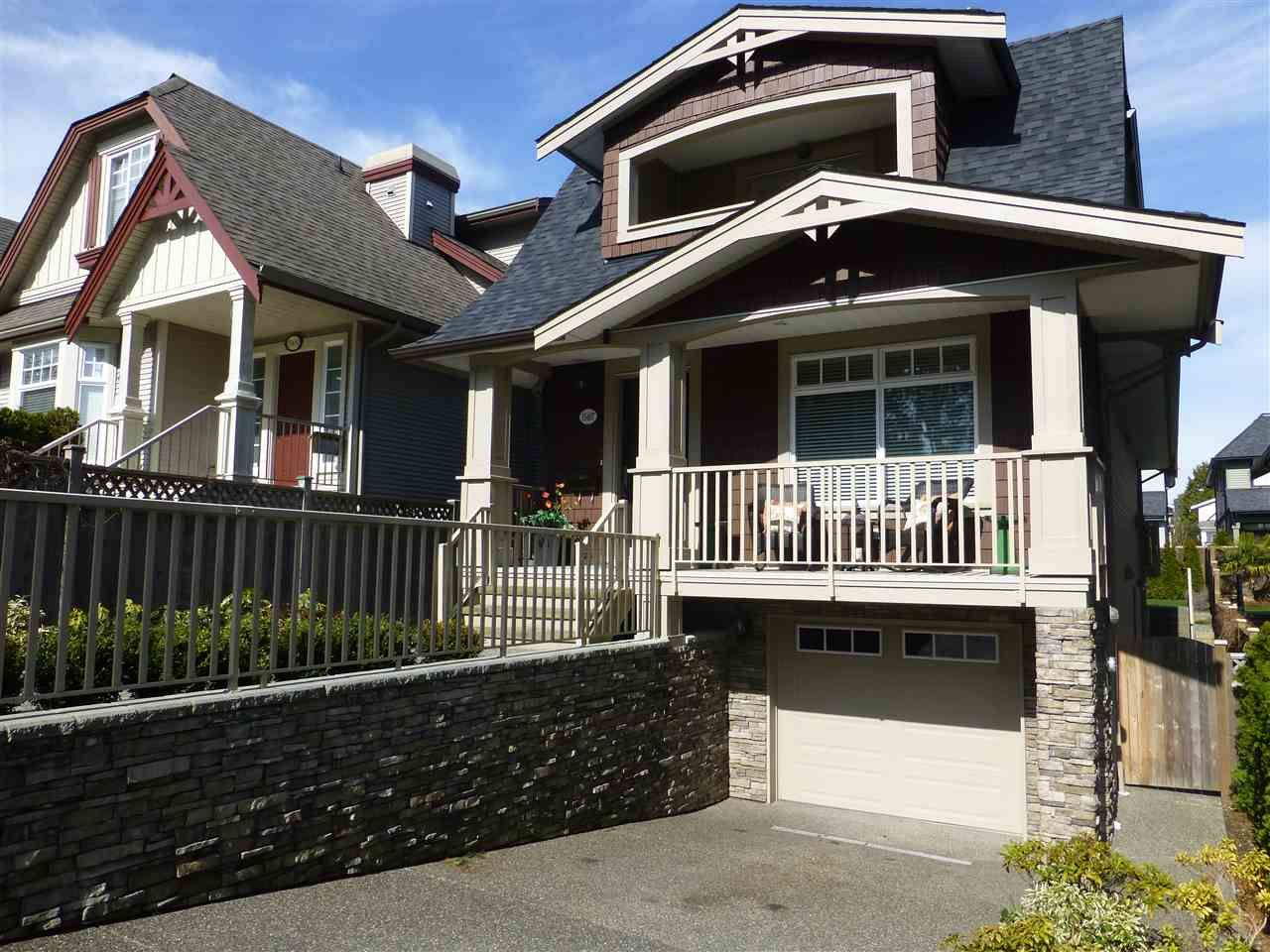 Main Photo: 15487 THRIFT Avenue: White Rock House for sale (South Surrey White Rock)  : MLS®# R2011959