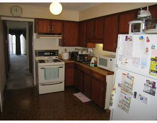 Photo 3: 4312 ONTARIO Street in Vancouver: Main House for sale (Vancouver East)  : MLS®# V803469