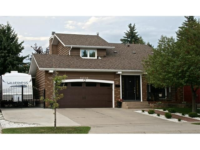 Main Photo: 14736 DEER RUN DR SE in Calgary: Deer Run Detached for sale : MLS®# C4004918