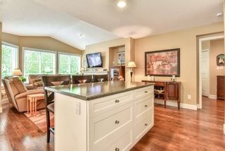 """Photo 8: 4 6488 168 Street in Surrey: Cloverdale BC Townhouse for sale in """"TURNBERRY"""" (Cloverdale)  : MLS®# R2298563"""