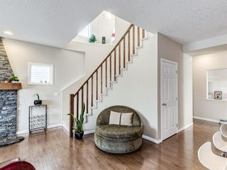 Photo 13: 332c Silvergrove Place NW in Calgary: Silver Springs Detached for sale : MLS®# A1088250